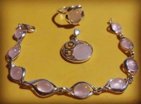joyas de cuarzo rosa